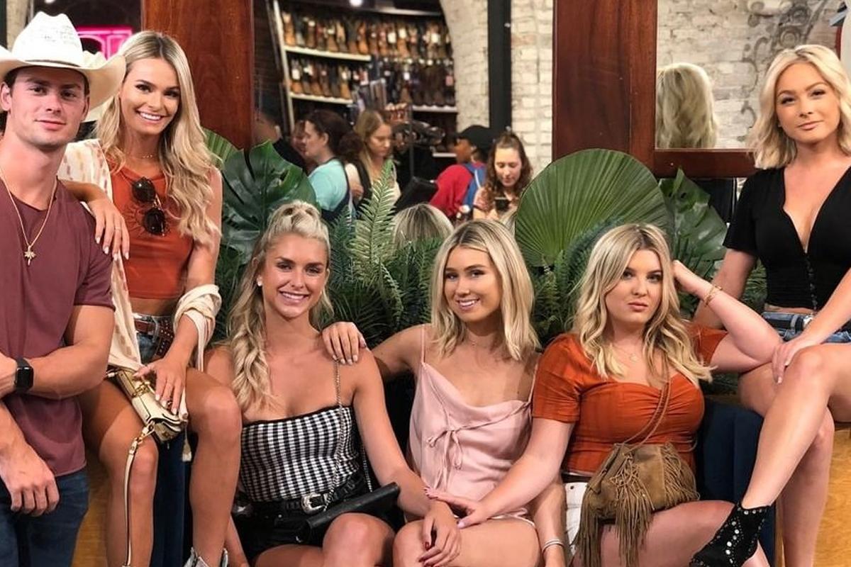 Siesta Key Season 4: MTV Has Given A Green Light To The Fourth Season Of This Series