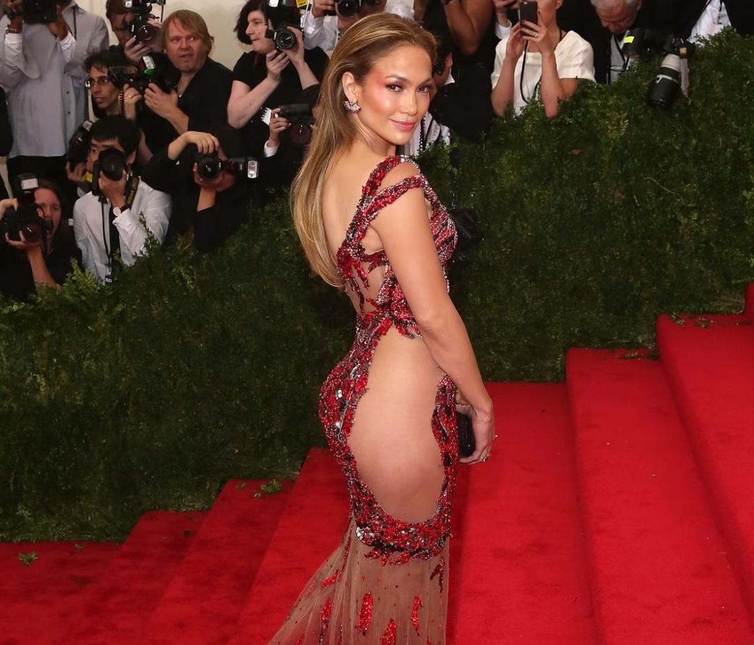 Jennifer Lopez 2016 Met Gala
