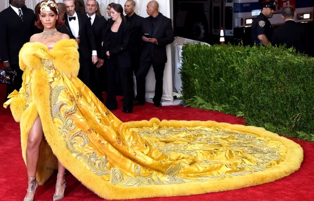 Rihanna 2015 Met Gala